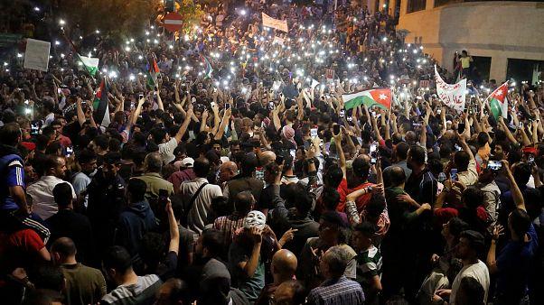 Σε οικονομολόγο η τύχη της Ιορδανίας εν μέσω κοινωνικής αναταραχής