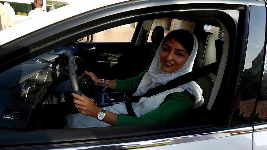 Jogosítványt kaptak a szaúdi nők, igaz, egyelőre csak tizen