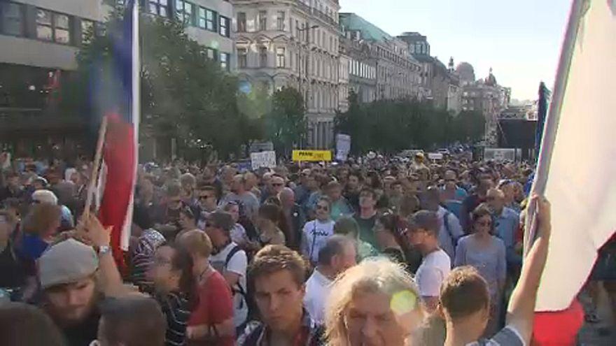 Csehország: Tüntetések Babis ellen