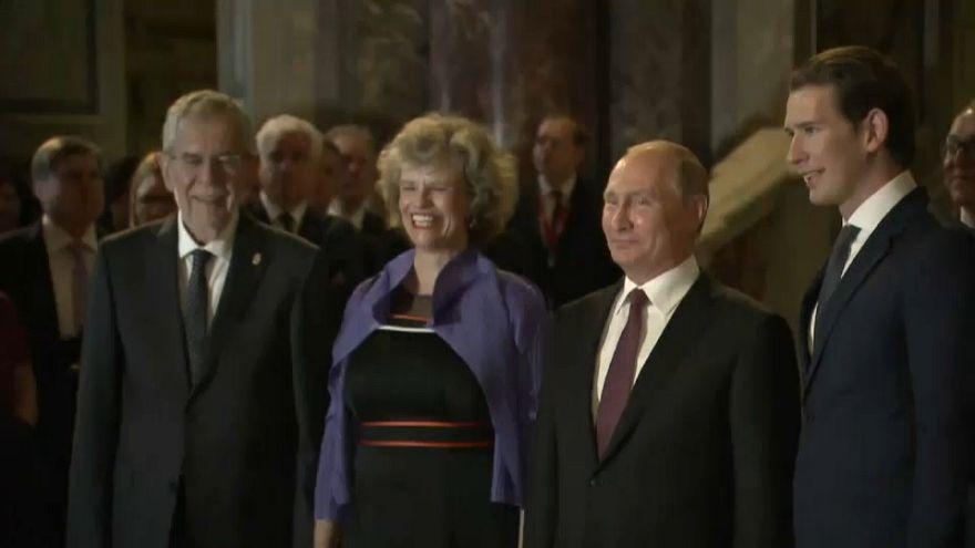 بوتين في النمسا للتشديد على العلاقات الثقافية بين البلدين