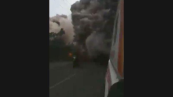 Спасателей накрыло пеплом Фуэго