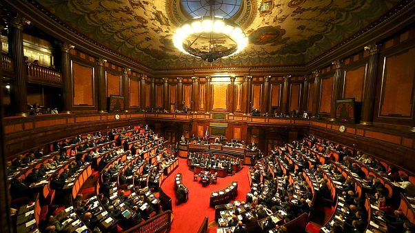 Olasz szenátus: szennyező nomádellenes törvények