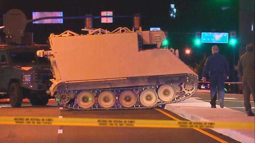 شاهد: جندي يسرق ناقلة عسكرية ويجوب بها شوارع فرجينيا