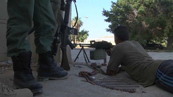 In Derna stehen sich islamistische Milizen und die libysche Armee gegenüber