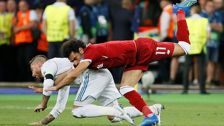 Mohammed Salah tangles with Sergio Ramos