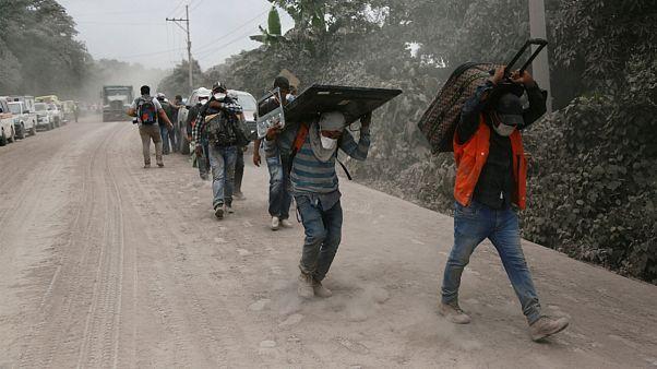 گواتمالا؛ توقف عملیات نجات در اثر فوران دوباره آتشفشان «فوئگو»
