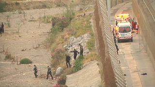 400 migrantes tentam saltar fronteira em Ceuta