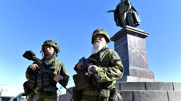Teljes önkéntes seregét mozgosította Svédország