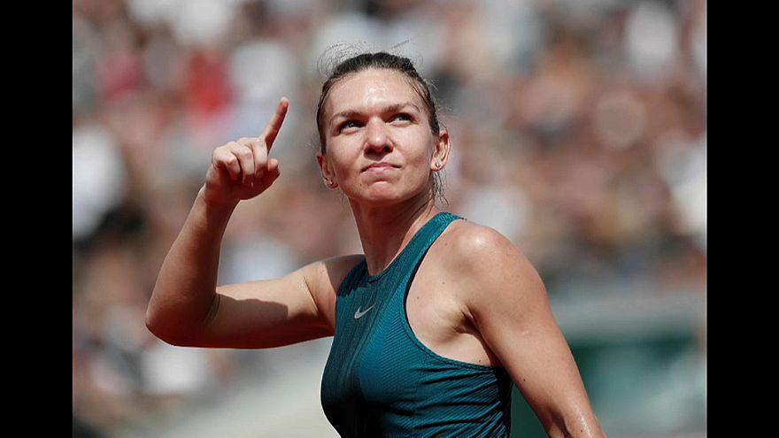 French Open: Simona Halep im Halbfinale - Herren-Viertelfinale abgebrochen