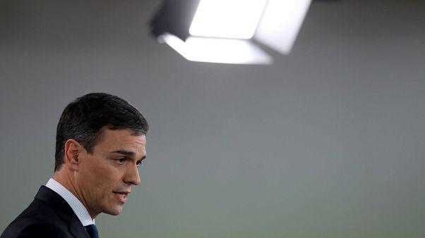 Pedro Sanchez présente un gouvernement féminin et europhile