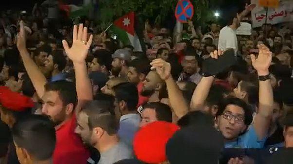 Jordánia: Egyre többen tüntetnek