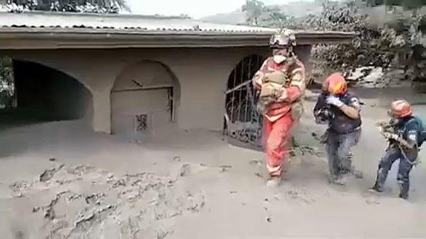 Guatemala: Nem riasztottak időben, hibázhatott a katasztrófavédelem