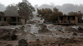 گزارش تصویری: فوران آتشفشان در گواتمالا ۹۹ قربانی گرفت