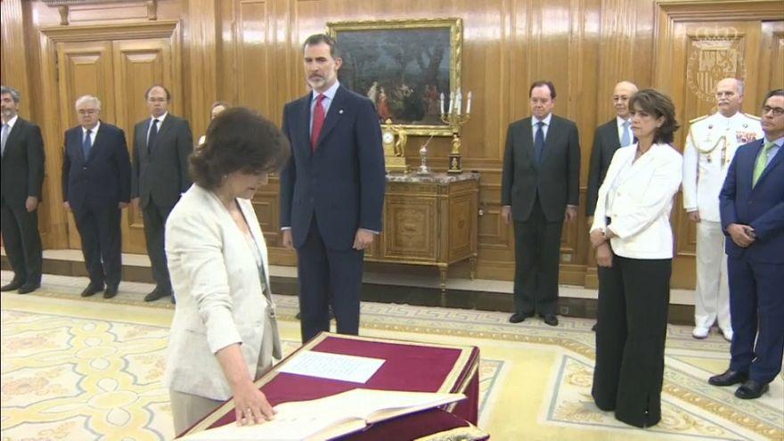El Ejecutivo de Sánchez promete sus cargos ante el rey