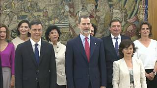 В Испании новое правительство: женщины во главе большинства ведомств