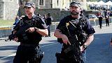 Britische Polizisten tragen selten Waffe. Und in anderen Ländern?
