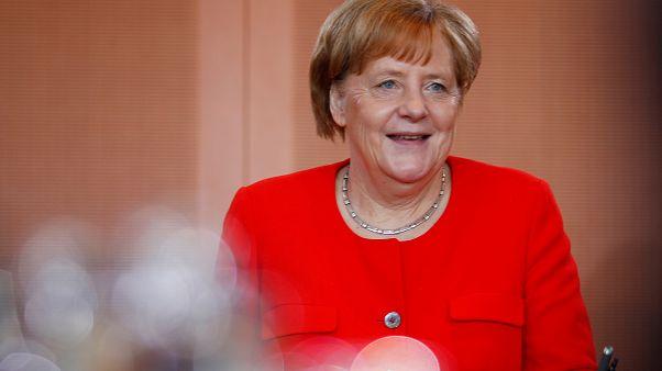 Droit d'asile : Angela Merkel veut faire cause commune