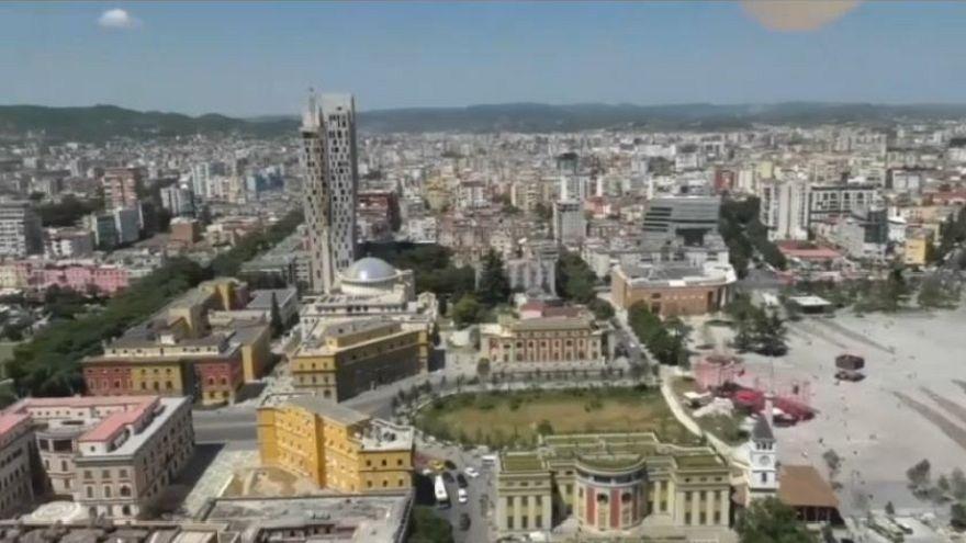Albania, sale il Lek e interviene la Banca Centrale