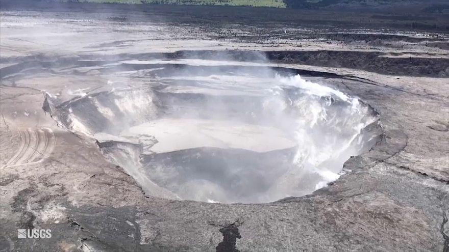 """شاهد: حمم بركان كيلاويا تخرج من الأخدود """"ثمانية"""""""