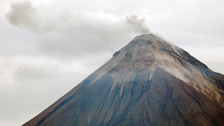 Se suspenden las labores de rescate en el Volcán de Fuego