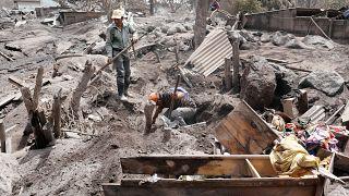 Γουατεμάλα: Διακόπηκαν οι έρευνες για τυχόν επιζώντες