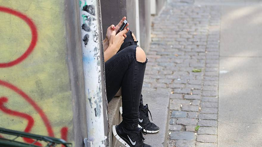 French MPs vote to ban mobile phones in schools