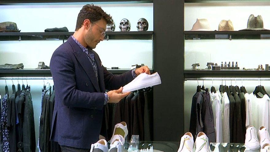 علامة تجارية فاخرة للأحذية الرياضية في باريس يطلقها لاجئ سوري