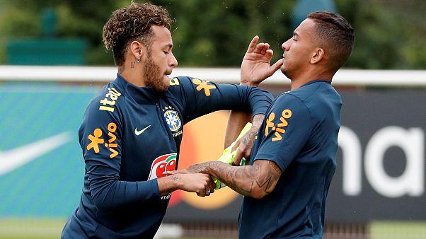 Против рекордсменов ЧМ: кто сразится с Бразилией и Германией?