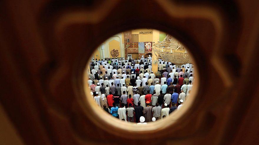 Muzulmán hitszónokokat utasítanak ki Ausztriából