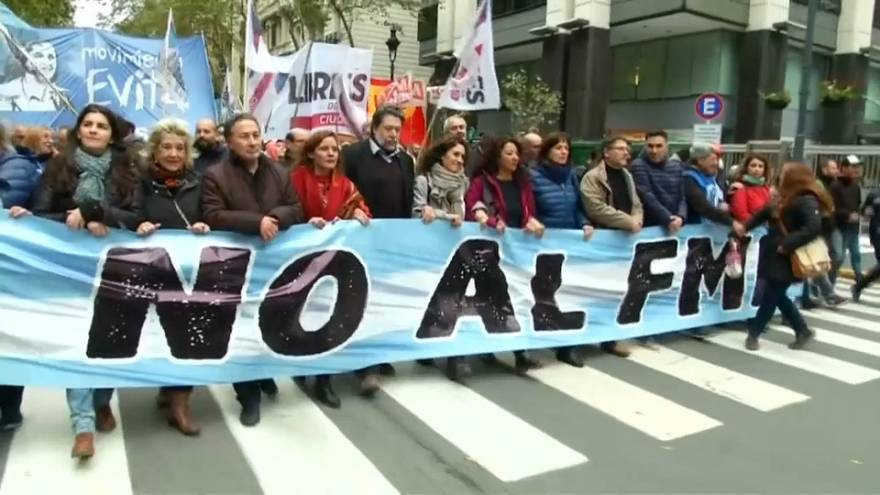 Argentinians unhappy with country's new IMF deal