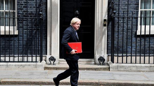 Boris Johnson útban a Kilépésügyi Főosztály felé