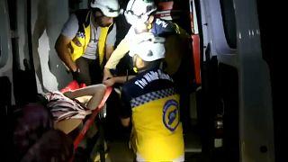 عمليات انقاذ المصابين في زردنا في الريف الشمالي الشرقي لإدلب السورية