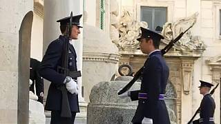 Dealing with a populist government in Italy