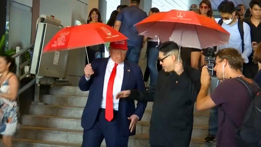 Trump and Kim impersonators thrill crowd in Singapore