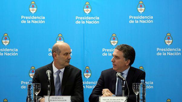 Arjantin yeniden IMF'ye borçlanıyor