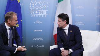 Donald Tusk uniós vezető és Giuseppe Conte olasz kormányfő a G7 csúcson