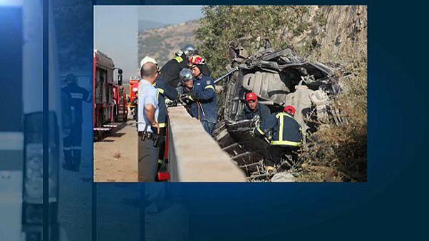 Menekülteket szállító busz halálos balesete