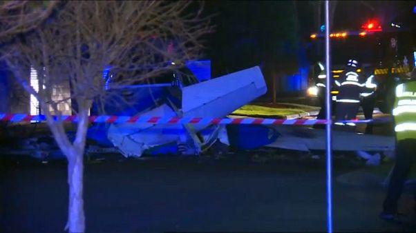 شاهد: تحطم طائرة وسط حي سكني في أستراليا