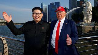 Trump ve Kim'in taklitçileri Singapur'da