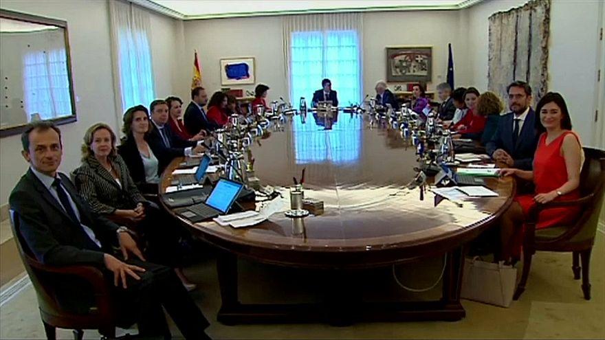 Правительство отказалось контролировать Каталонию