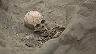 اكتشاف بقايا 56 طفلاً قُدموا قرابين للآلهة في بيرو