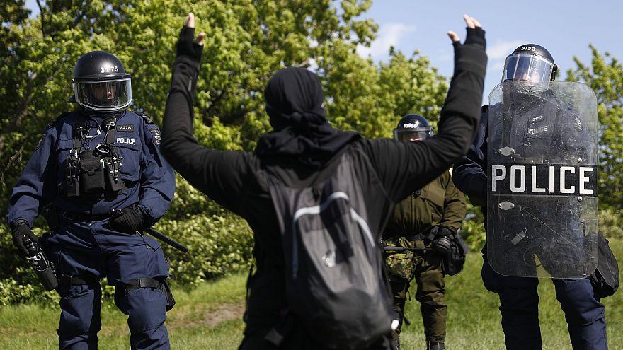 Antiglobalista tüntetések a G7-csúcson