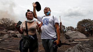 Eruzione vulcanica in Guatemala: la disperata ricerca dei sopravvissuti