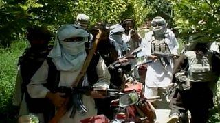 Los talibanes anuncian tres días de alto el fuego en Afganistán