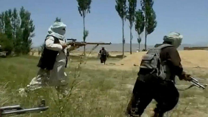 Taliban töten 40 Polizisten