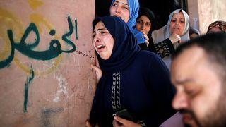 فلسطينيون يشيعون ضحايا احتجاجات الجمعة في غزة