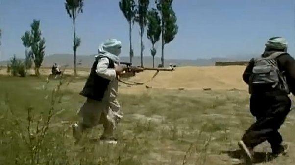 Talibãs anunciam cessar-fogo temporário com forças afegãs