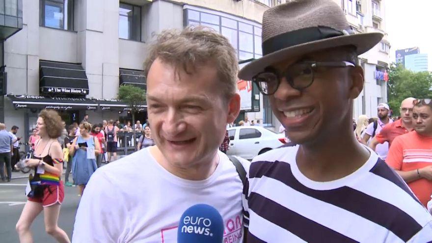 Pride Parade Bucharest: Adrian Coman & Claibourn Hamilton feiern mit