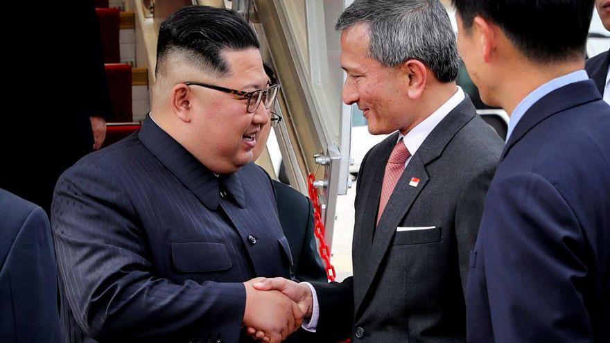 الزعيم الكوري كيم جونغ أون يصل إلى سنغافورة