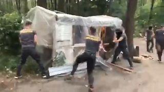 Ukrayna'da aşırı sağcı grup Roman kampına saldırdı